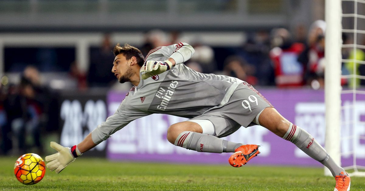 AC Milan's goalkeepr Gianluigi Donnarumma saves a goal opportunity during their Serie A soccer match against Lazio at the Olympic stadium in Rome November 1, 2015. REUTERS/Giampiero Sposito